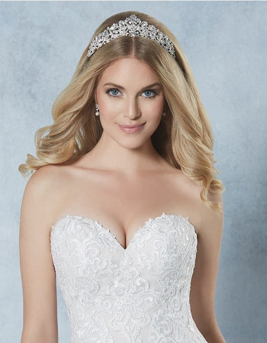 Alexi bridal tiara crop front Amixi