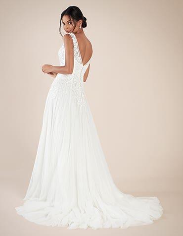 ALICE - une robe trapèze en dentelle brodée