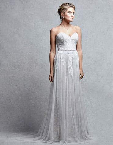 ALLURA - ein romantisches besticktes Brautkleid