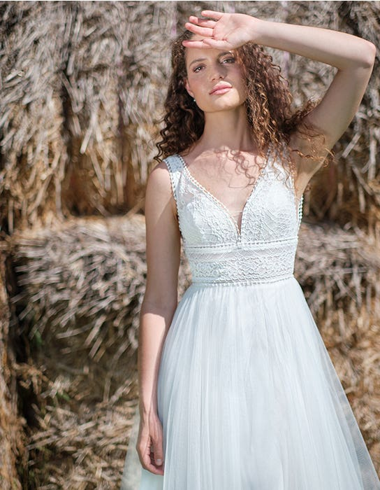 Alma - an intricately detailed boho style   WED2B