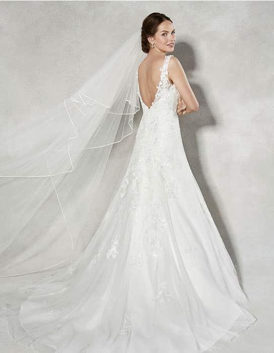 Amal fit _ flare wedding dress back Anna Sorrano