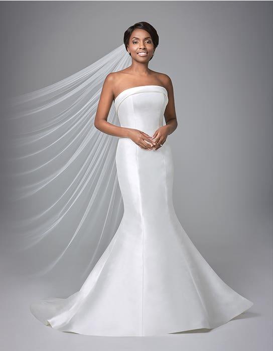 Amore fishtail wedding dress front Anna Sorrano