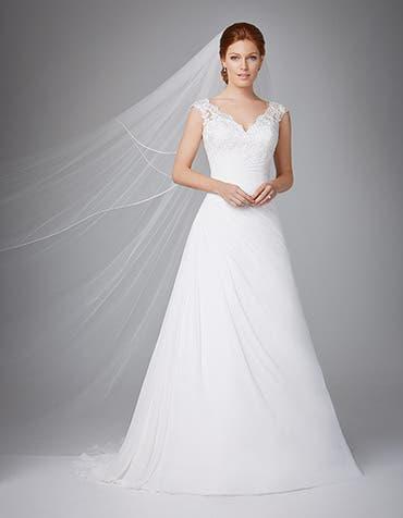 ADELA - een geplooide chiffon kanten jurk