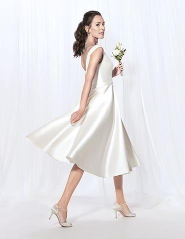Audrey short wedding dress front Anna Sorrano th