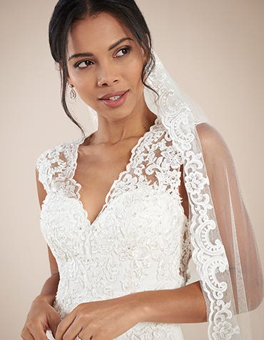 Augusta sheath wedding dress front crop Anna Sorrano th