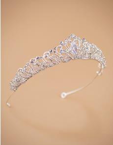 AURELIA - a royal tiara with delicate details