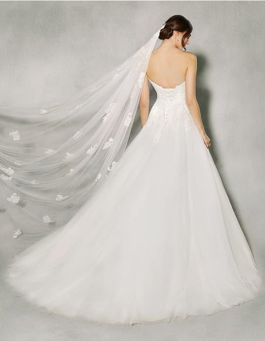 BETHANIE - an elegant classic ballgown | WED2B