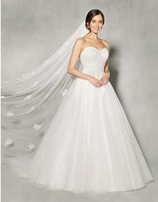 BETHANIE - an elegant classic ballgown