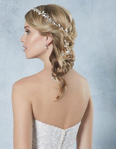 Calli bridal hair vine crop back2 Amixi th