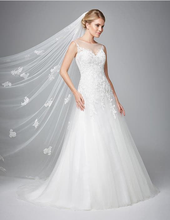 Carlotta fit _ flare wedding dress front Anna Sorrano