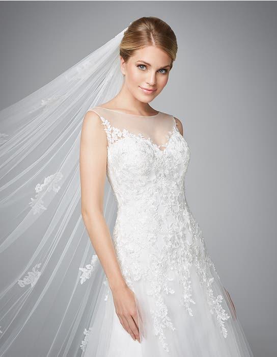 Carlotta fit _ flare wedding dress front crop Anna Sorrano