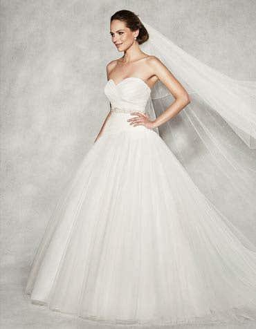 CHRISTIANA - een sensationele jurk met lage taille