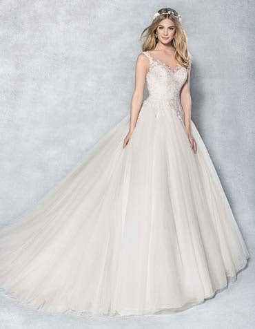 CLEO - une robe de bal princesse scintillante
