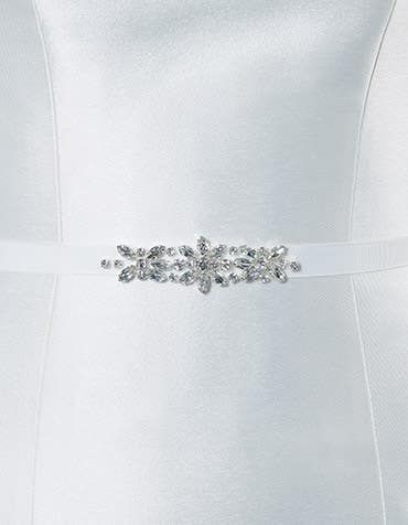 Colby bridal belt detail front crop Amixi th