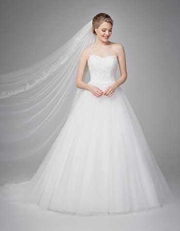 Cosette ballgown wedding dress front Anna Sorrano th