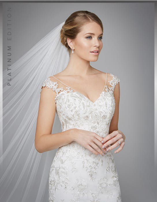 Danka fishtail wedding dress front crop Anna Sorrano