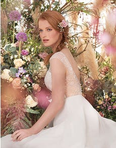 Darian - une robe trapèze embellie
