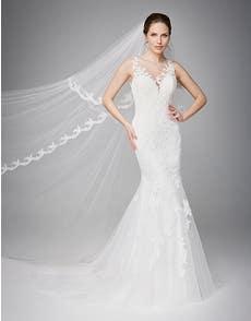 DELTA - a graceful fishtail gown