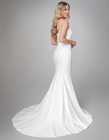 Diaz - a flattering sheath gown