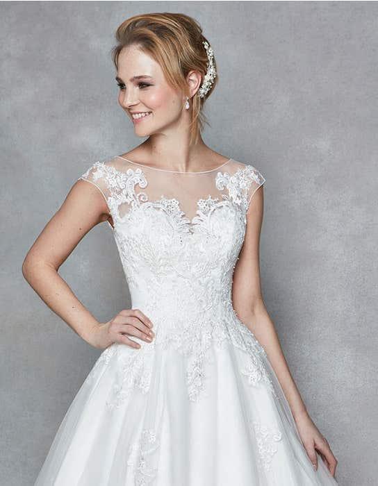 Divine aline wedding dress front crop Anna Sorrano
