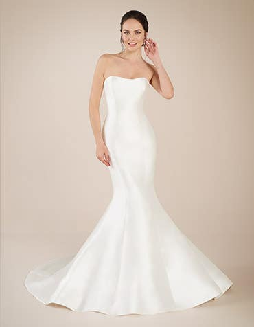 Dolce fishtail wedding dress front Anna Sorrano th