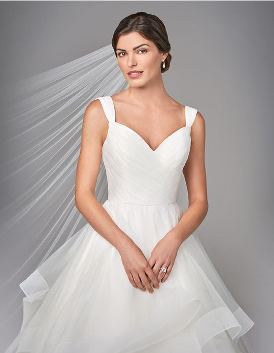 Elise  ballgwon wedding dress front crop Anna Sorrano