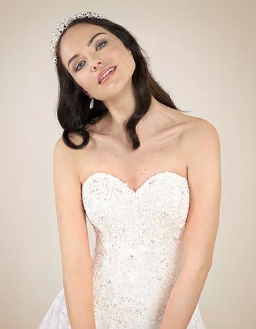 EMMY - een flatterende fit & flare-jurk