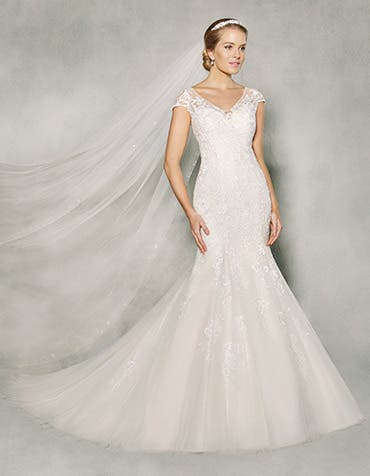 Etta fishtail wedding dress front Anna Sorrano th