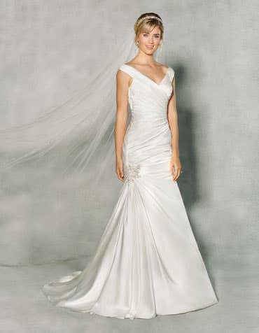 Felicia fishtail wedding dress front Anna Sorrano th