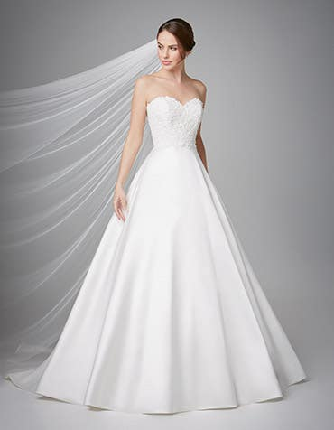 Georgia aline wedding dress crop front Anna Sorrano th