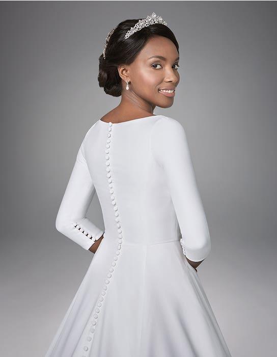 Grace Aline wedding dress back crop Anna Sorrano