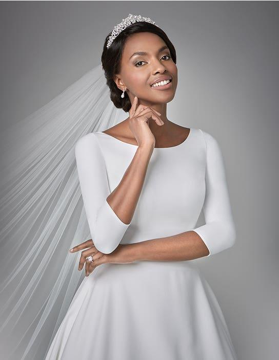 Grace Aline wedding dress front crop Anna Sorrano