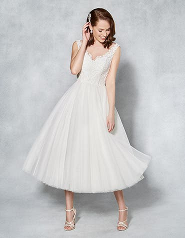 Jessica short wedding dress front Viva Bride th