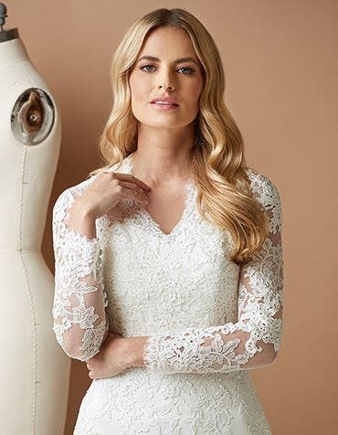 KATHERINA - a vintage lace long sleeve jacket