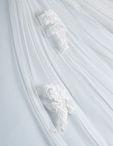 London bridal veil detail Amixi th