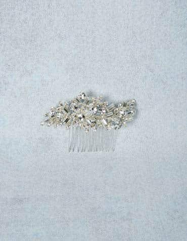 Luna bridal hair comb detail Amixi