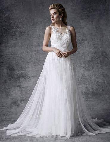 Lyra aline wedding dress front Signature th