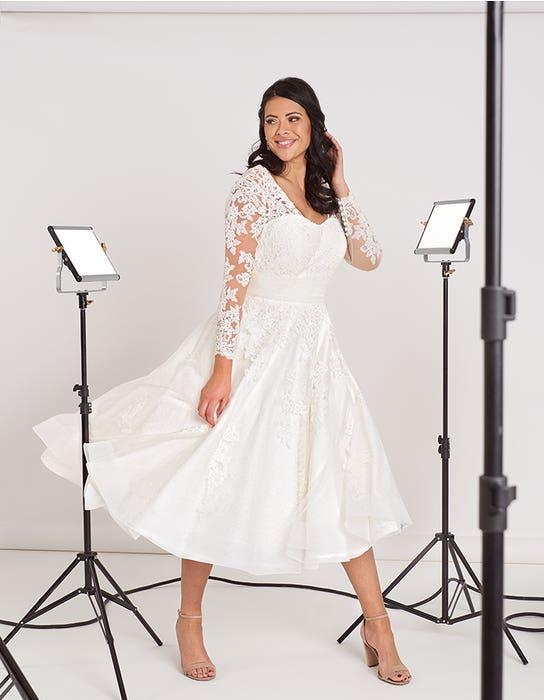 Maria short wedding dress front Edit Bellami