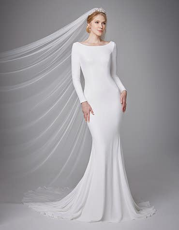 Markle sheath wedding dress front Anna Sorrano th