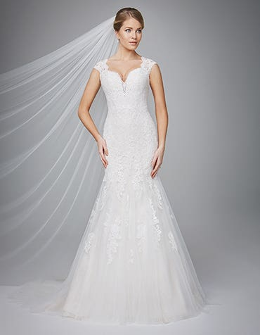 Melina fishtail wedding dress front Anna Sorrano th