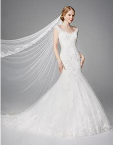 MERYL - a timeless lace fishtail