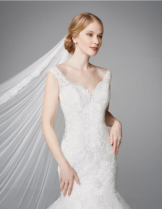 Meryl fishtail wedding dress front crop Anna Sorrano
