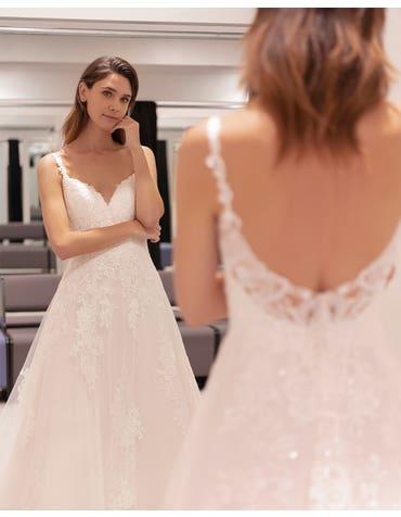 Ashlynn - une robe trapèze délicat