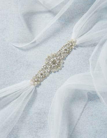 NOVA - Een tule bruids riem