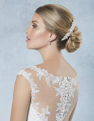 Odetta bridal hair comb detail Amixi th