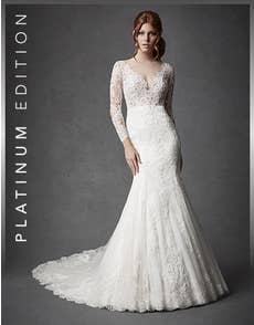 ORIANA - a stylish fishtail gown