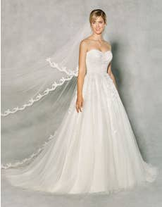 PENNY - a strapless princess gown