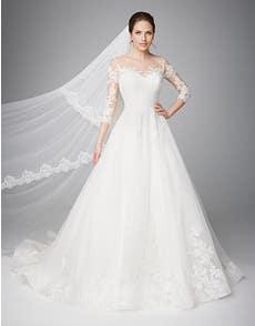 PIPPA - a luxurious ball gown