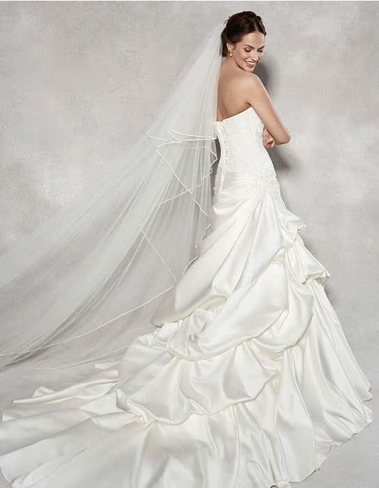 Renata flit _ flare wedding dress back Anna Sorrano