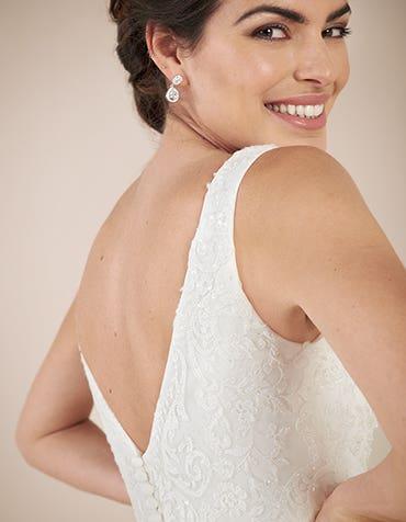 Richmond sheath wedding dress detail Anna Sorrano th